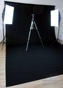 Studio photo et vidéo avec fond noir